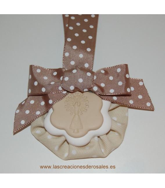 """Medalla doble flor beige """"PILARICAS"""""""